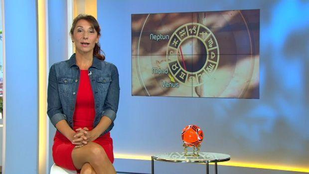 fruehstuecksfernsehen-kirsten-hanser-astrologie-15062012 - Bildquelle: SAT.1