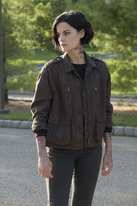 Dank ihrer Freundschaft mit Tasha glaubt Jane (Jaimie Alexander), schon bald ein normales Leben führen zu können. Eine Fehleinschätzung? - Bildquelle: Warner Brothers