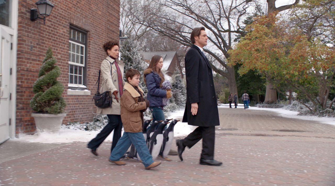 Für Tom Popper (Jim Carrey, r.) braucht es nicht viel im Leben, um glücklich zu sein. Eigentlich nur eines: beruflicher Erfolg. Dafür vernachläs... - Bildquelle: 2011 Twentieth Century Fox Film Corporation. All rights reserved.