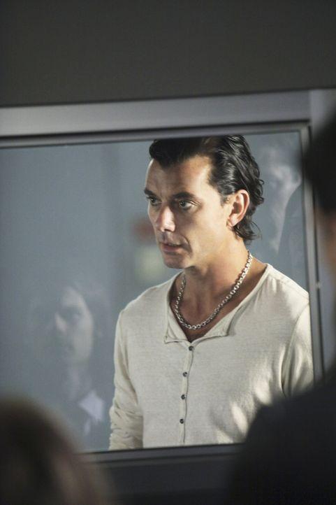 Das BAU-Team wird nach Los Angeles beordert, um eine Mordserie aufzuklären. Die Ermittlungen führen die Profiler zu einem Gothik Rock Star Dante (... - Bildquelle: Touchstone Television
