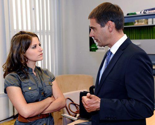 Stefan hat Ben und Bea beim Knutschen in der Villa erwischt. Wird er Bea bei Helena anschwärzen? - Bildquelle: David Saretzki - Sat1