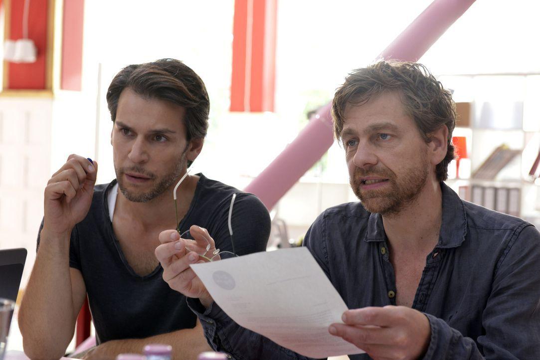 Auch Nick (Florian Odendahl, l.) und Rudi (Andreas Nickl, r.) streben nach Perfektion, oder doch nicht? - Bildquelle: Oliver Ziebe SAT.1