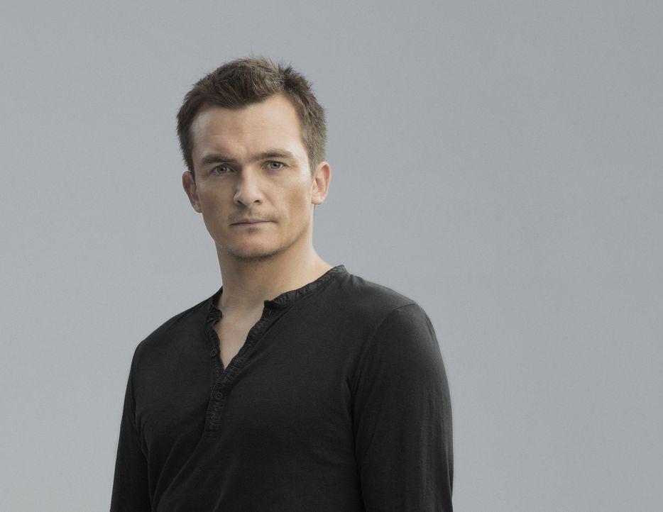 (5. Staffel) - Wird auf Carrie angesetzt, doch wird er sie wirklich umbringen? Peter (Rupert Friend) ... - Bildquelle: 2015 Showtime Networks, Inc., a CBS Company. All rights reserved.