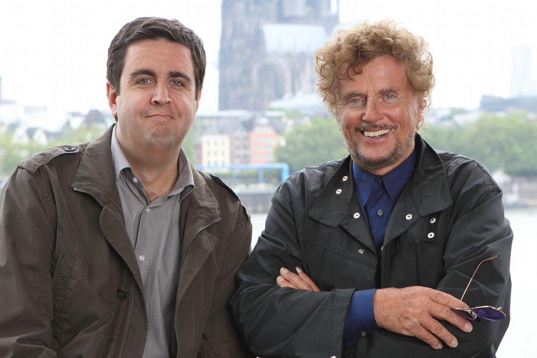 Bastian (Bastian Pastewka, l.) kann sich glücklich schätzen: Dieter Wedel (Dieter Wedel, r.) ist nicht nur ein großartiger Regisseur, sondern auc... - Bildquelle: SAT.1