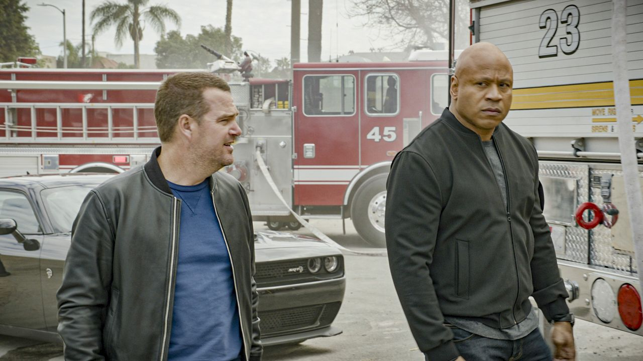 G. Callen (Chris O'Donnell, l.); Sam Hanna (LL Cool J, r.) - Bildquelle: 2020 CBS Broadcasting Inc. All Rights Reserved.