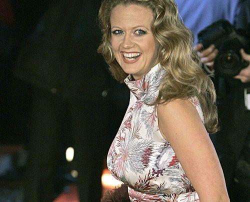 Die schönsten Seiten des sexy Multitalents.  Auf dem Roten Teppich zur 43. Verleihung der Goldenen Kamera 2008 in Berlin. - Bildquelle: dpa