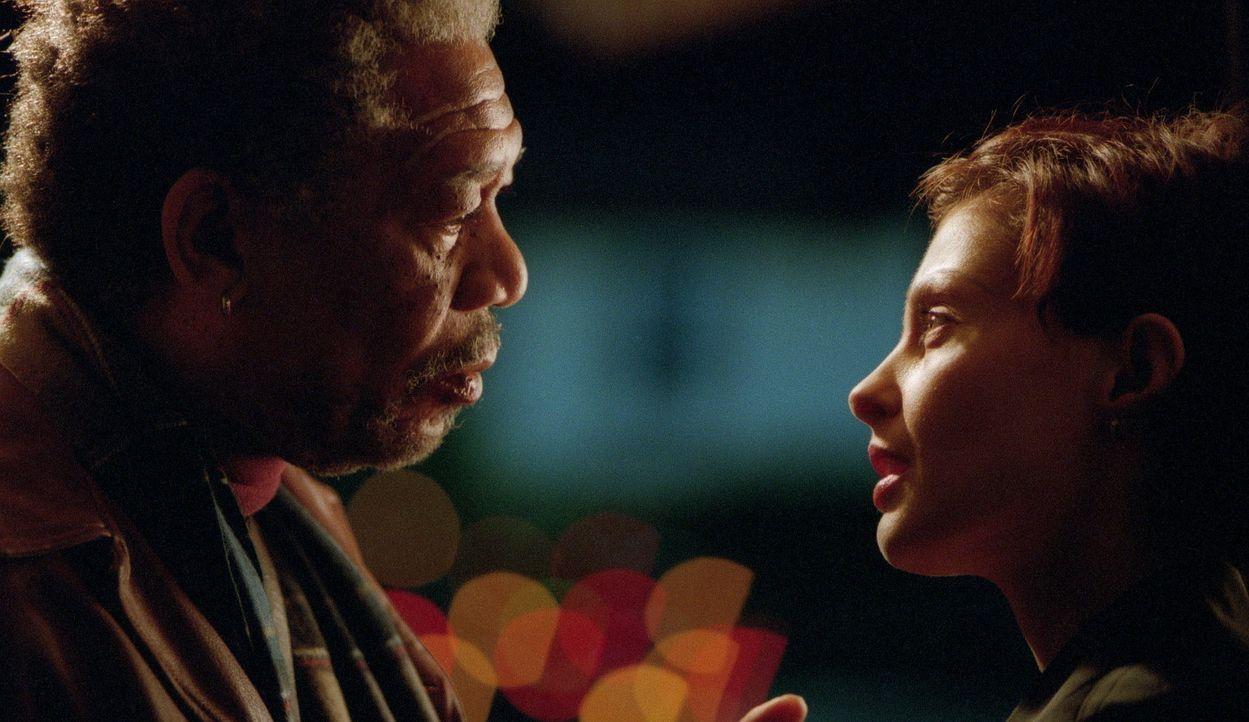 Die erfolgreiche Anwältin Claire Kubik (Ashley Judd, r.) und der im Militärrecht erfahrene ehemalige Starverteidiger Charles Grimes (Morgan Freema... - Bildquelle: 20th Century Fox Film Corporation