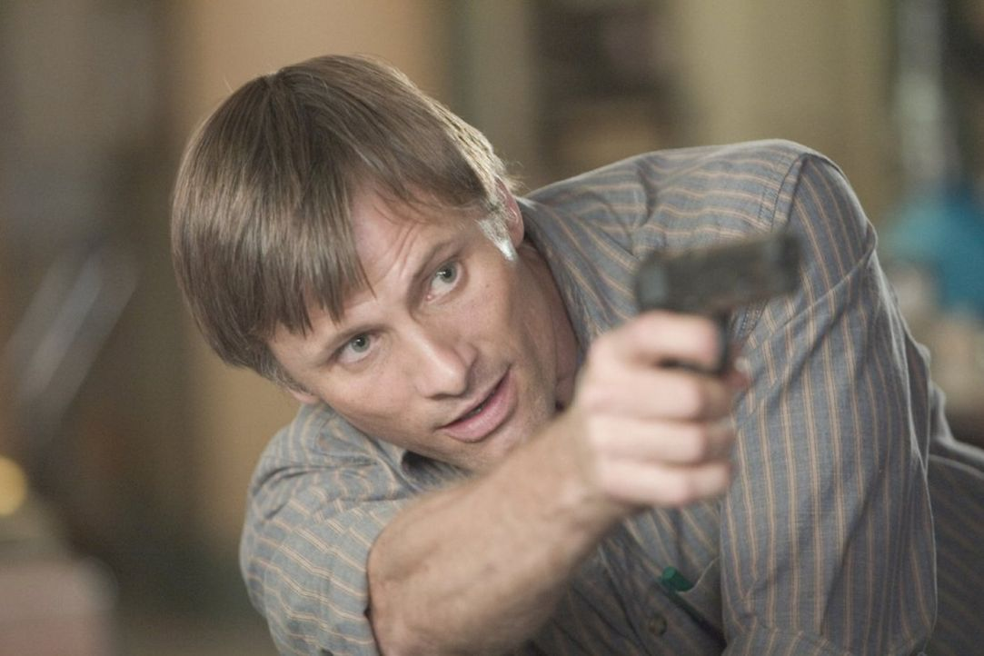 Tom alias Joey (Viggo Mortensen) bleibt nichts anderes übrig, als sich seinen Widersachern zu stellen. Ein Kampf auf Leben und Tod nimmt seinen Lauf... - Bildquelle: 2005 Warner Bros.