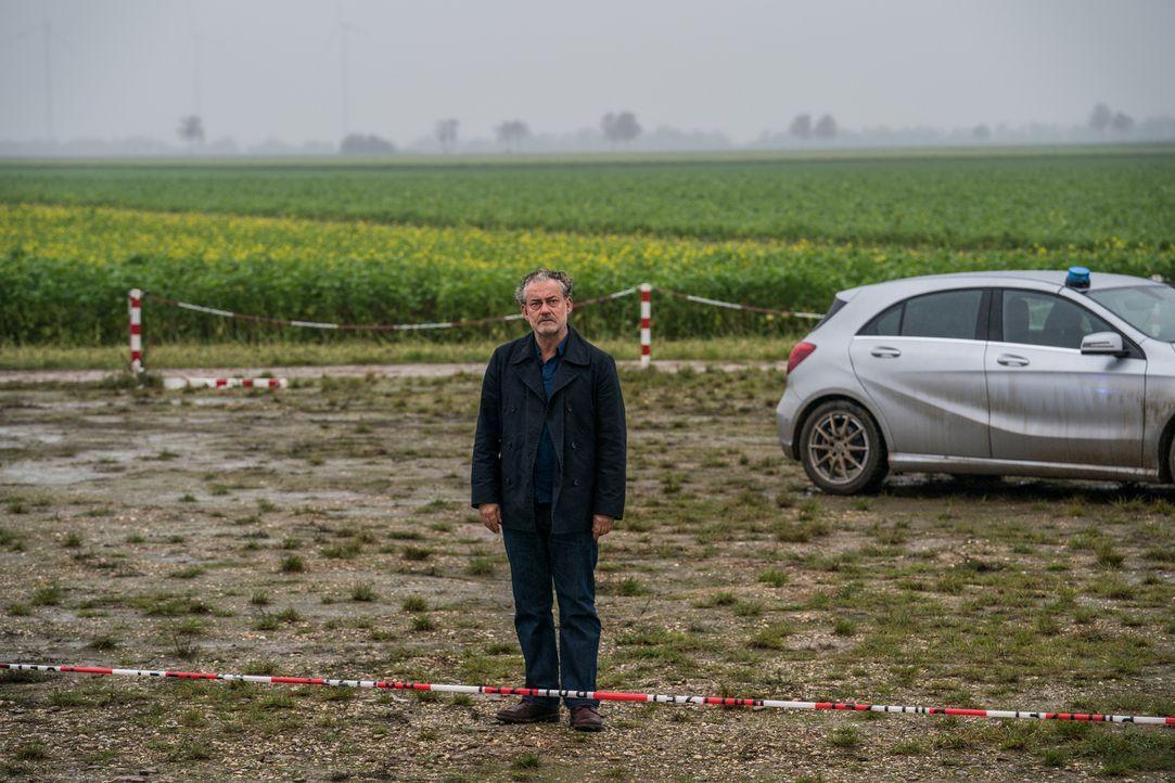 Nach der Trennung von Constanze leidet Tremmel (Rolf Kanies) wie ein Hund - so sehr, dass er seinen Job an den Nagel hängt? - Bildquelle: Wolfgang Ennenbach SAT.1