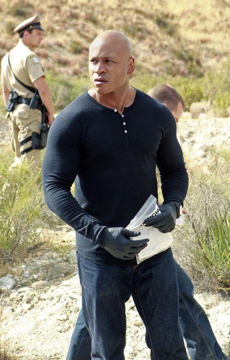 Ein berüchtigter Waffenhändler und ein Seemann werden erschossen hinter der mexikanischen Grenze aufgefunden. Sam (LL Cool J) und seine Kollegen b... - Bildquelle: CBS Studios Inc. All Rights Reserved.