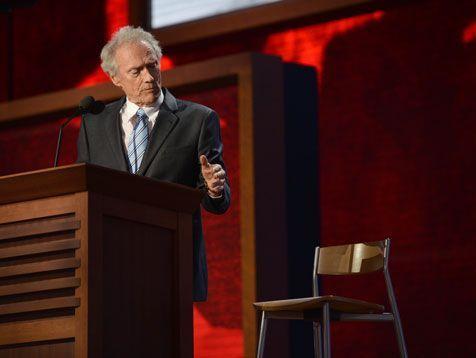 """Auch nach seiner Rede bezeichnet Schauspieler Clint Eastwood Barack Obama als """"Schwindler""""."""