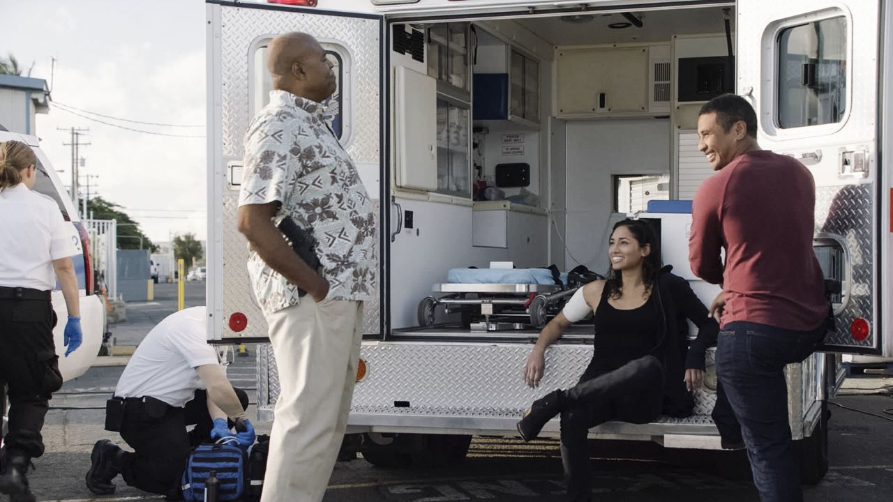 (v.l.n.r.) Lou Grover (Chi McBride); Tani Rey (Meaghan Rath); Junior Reigns (Beulah Koale) - Bildquelle: 2019 CBS Broadcasting, Inc. All Rights Reserved.