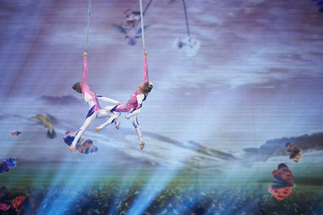 Lera und Nika Tomanova aus Las Vegas wollen mit ihrer Seilakrobatik die Jury beeindrucken. Doch werden sie es schaffen? - Bildquelle: Stefan Hobmaier SAT.1