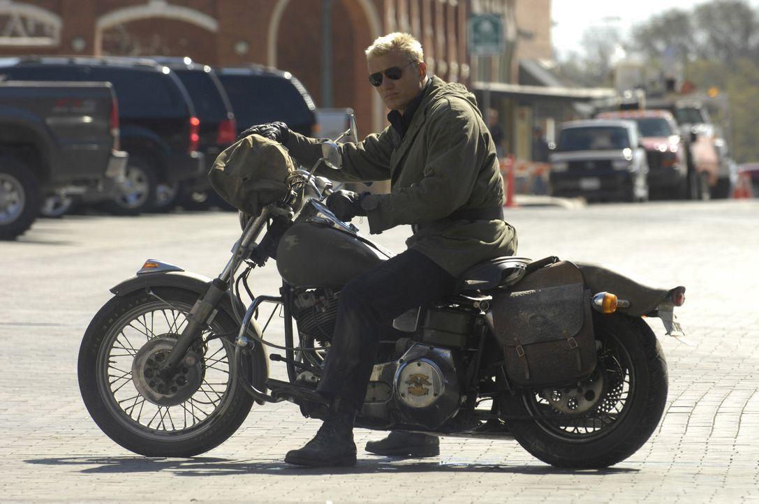 Bewaffnet mit eisernem Willen, einer Bibel und seinem Bike macht sich Ryder (Dolph Lundgren) auf den Weg in eine kleine Stadt, um Gerichtigkeit für... - Bildquelle: 2008 CPT Holdings, Inc. All Rights Reserved. (Sony Pictures Television International)