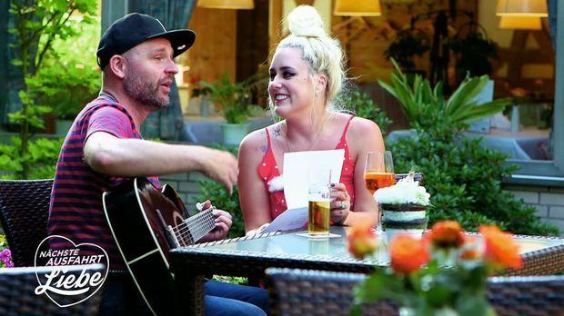 Nächste Ausfahrt Liebe - Nächste Ausfahrt Liebe - Eine Lovestory à La Lady Gaga Und Bradley Cooper