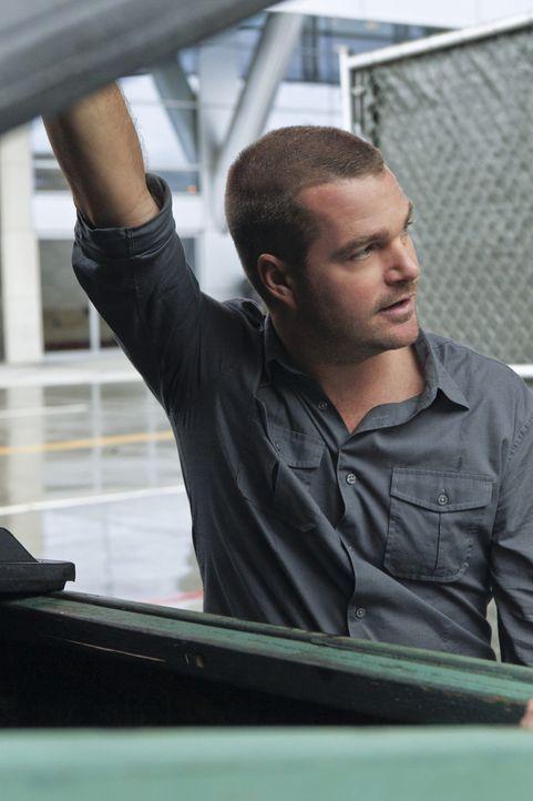 Callen (Chris O'Donnell) und seine Kollegen wollen einen besonders dreisten Überfall aufklären ... - Bildquelle: CBS Studios Inc. All Rights Reserved.