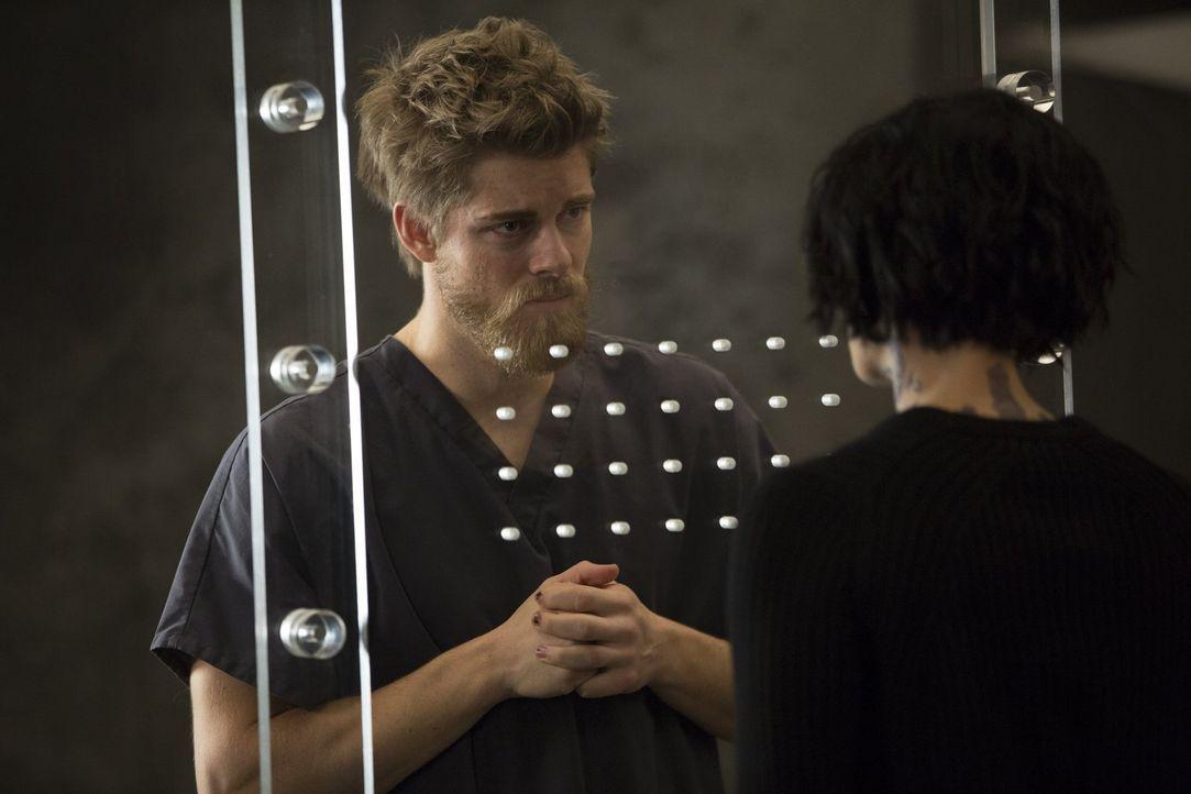 Erste Erinnerungen kehren zurück. Doch kann Jane (Jaimie Alexander, r.) ihrem Bruder (Luke Mitchell, l.) vertrauen und mit ihm gemeinsam auf einen g... - Bildquelle: Warner Brothers