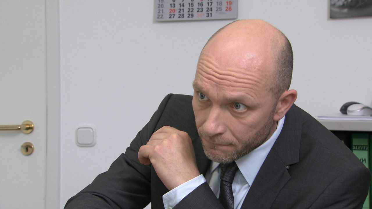Schicksale-Mein-Chef-der-Schlaeger_8 - Bildquelle: SAT.1