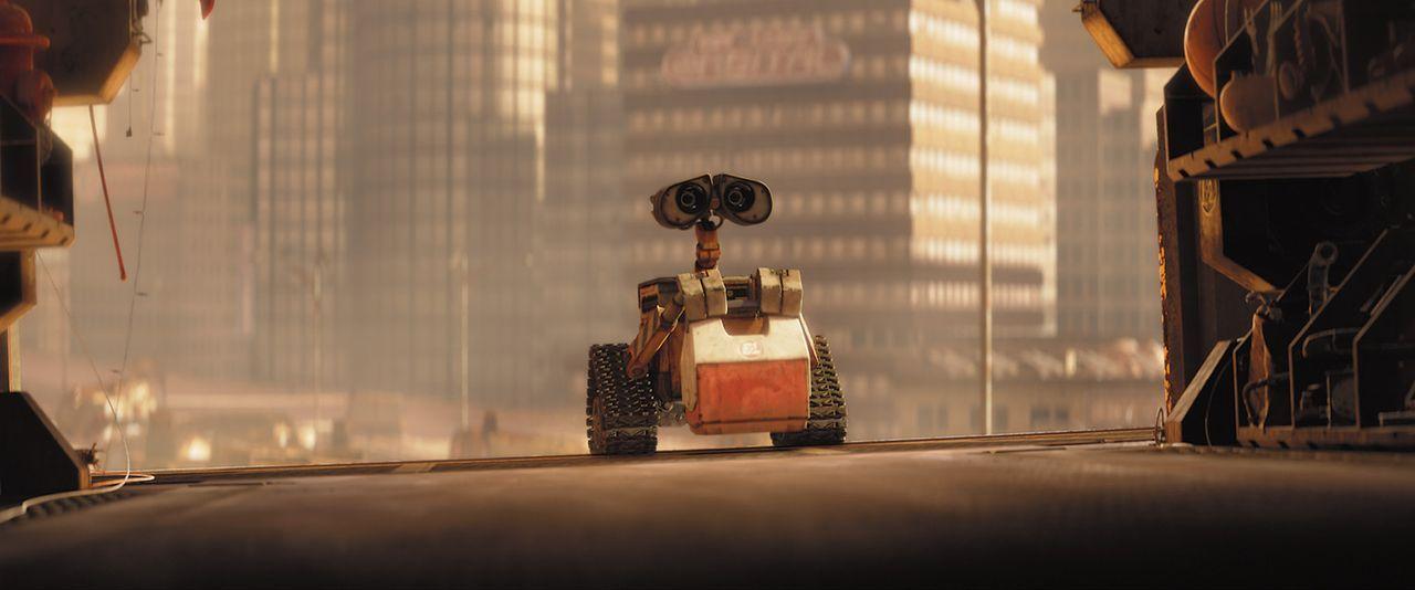 Wall-E ist der einzige überlebende Haushaltsroboter, der im Jahre 2815 unermüdlich den Müll der Menschen auf der Erde aufräumt. Sein einziger Fr... - Bildquelle: Touchstone Pictures