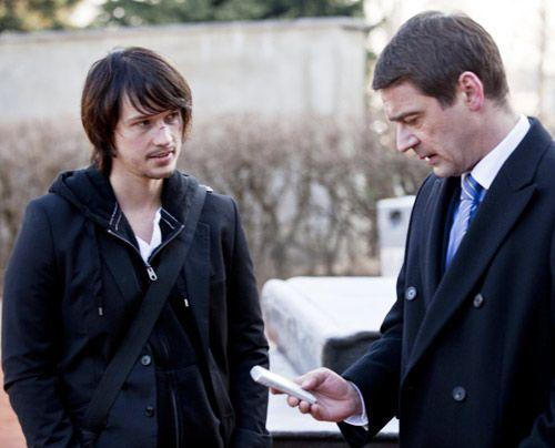 Ben erhält nach seinem Geständnis Stefans Unterstützung ... - Bildquelle: David Saretzki - Sat1