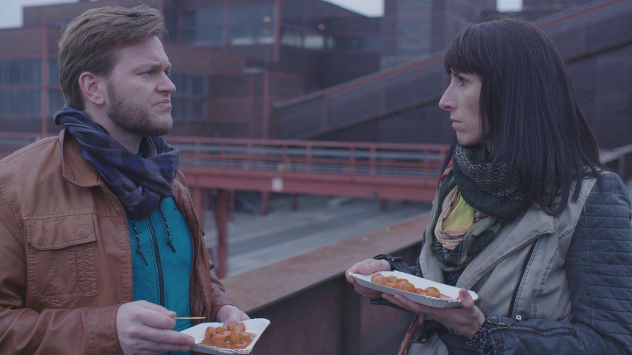 Die Kommissare Stefanie Budde und Andreas Meltzer ermittlen in Essen - Bildquelle: SAT.1