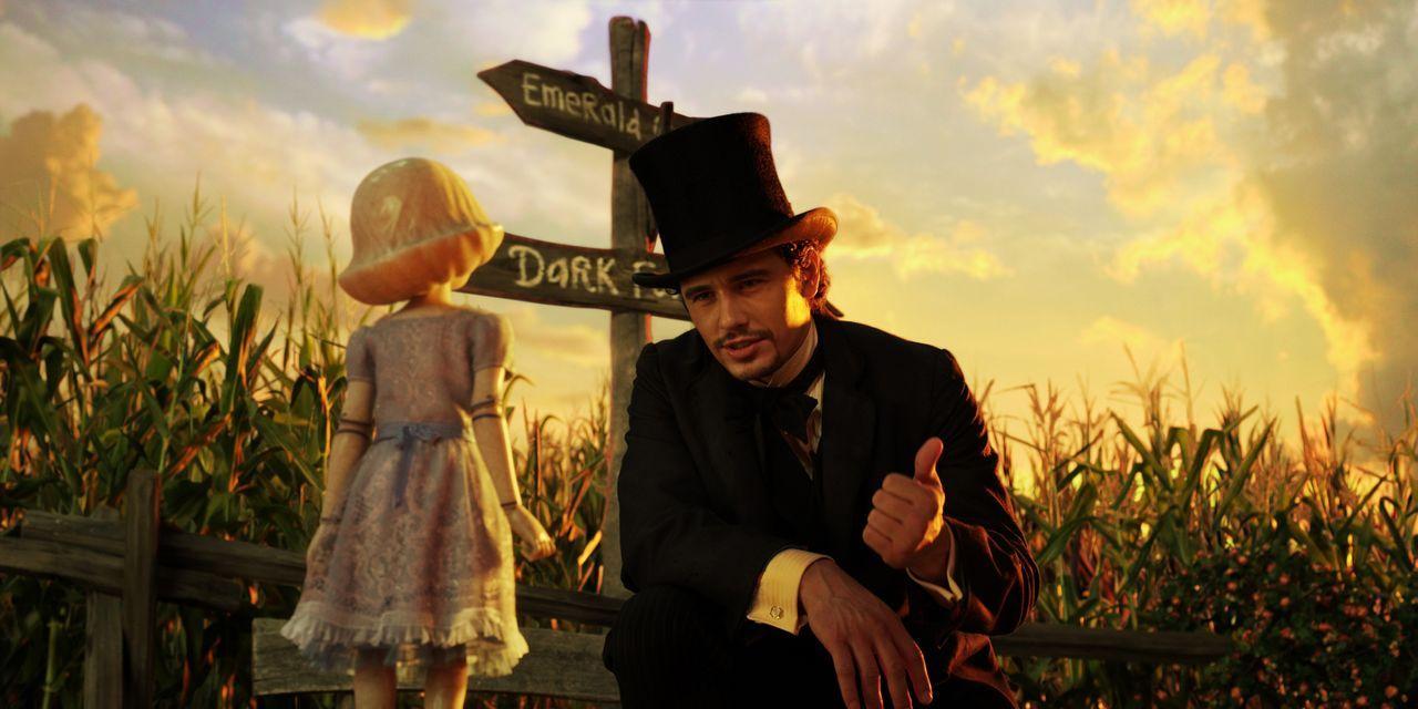 "Porzellanmädchen (Joey King, l.); Oscar ""Oz"" Diggs (James Franco, r.) - Bildquelle: Disney. All rights reserved"