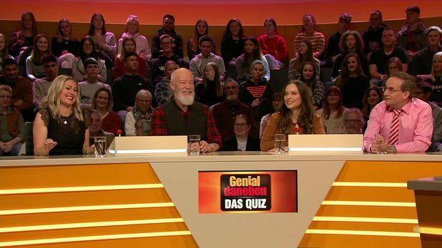 Genial Daneben - Das Quiz - Genial Daneben - Das Quiz - Mina, Bill & Ein Festgeklebter Stuhl Für Die Kandidaten