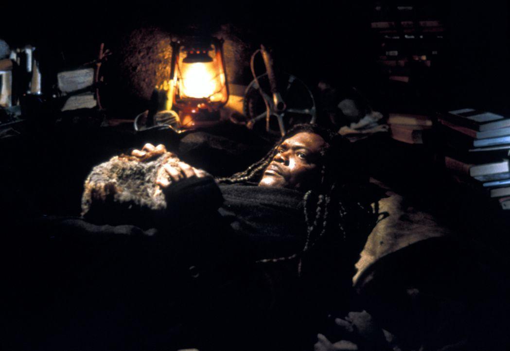 Der scheinbar verwirrte Obdachlose Romulus (Samuel L. Jackson) will eigenhändig einen Mord aufklären ... - Bildquelle: Francise Productions