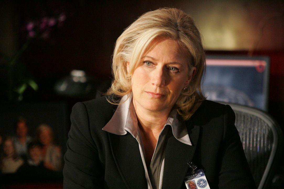 Würde gerne wissen, warum Dave Rossi freiwillig zum FBI zurückkehrt: Erin Strauss (Jayne Atkinson) ... - Bildquelle: Touchstone Television