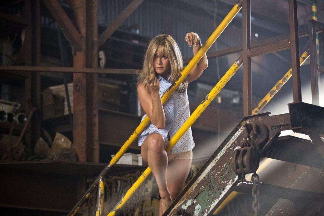 Strippen fürs Überleben: Rose (Jennifer Aniston) muss alles geben! - Bildquelle: 2013 Warner Brothers.  All rights reserved.