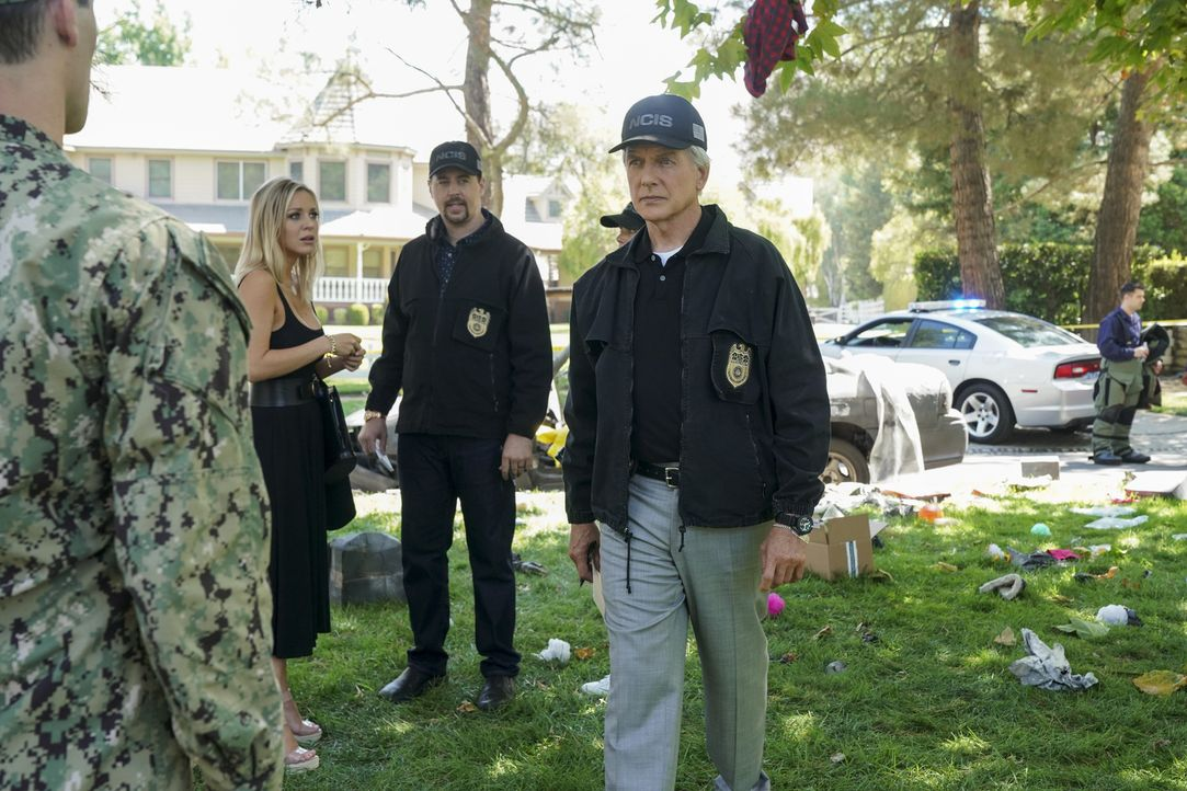 (v.l.n.r.) Sheba Nicholas (Tara Holt); Timothy McGee (Sean Murray); Leroy Jethro Gibbs (Mark Harmon) - Bildquelle: Sonja Flemming 2018 CBS Broadcasting, Inc. All Rights Reserved/Sonja Flemming