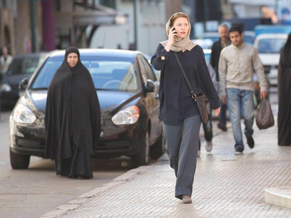 Carrie (Claire Danes) setzt alles daran, Brody mit Hilfe von Saul aus Teheran zu bringen, während dieser mit seinem Schicksal hadert und sich fragt,... - Bildquelle: 2013 Twentieth Century Fox Film Corporation. All rights reserved.