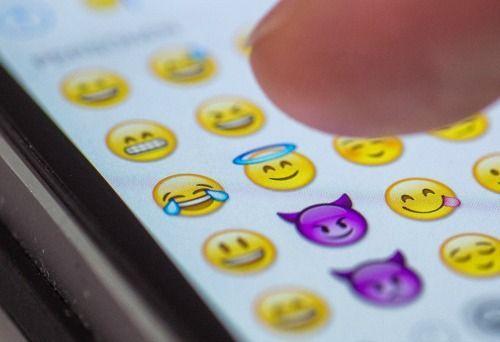 5. Fotos mit Texten oder Smileys versehenSeit dem neuesten Update können ges...