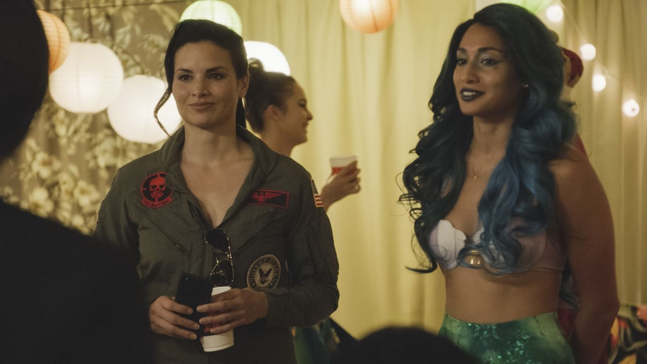 Quinn Liu (Katrina Law, l.); Tani Rey (Meaghan Rath, r.) - Bildquelle: 2019 CBS Broadcasting, Inc. All Rights Reserved.