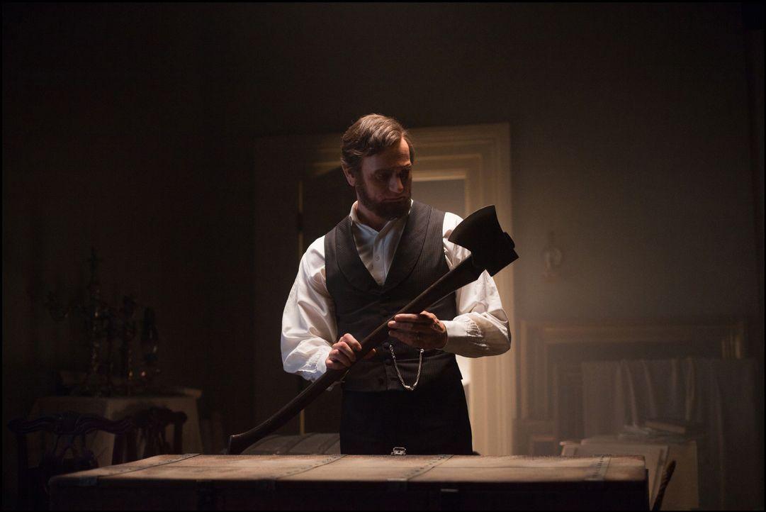 Abraham Lincoln (Benjamin Walker) war nicht nur der 16. Präsident der Vereinigten Staaten und Befreier der Sklaven, sondern auch ein unerbittlicher... - Bildquelle: Alan Markfield 2012 Twentieth Century Fox Film Corporation. All rights reserved. / Alan Markfield