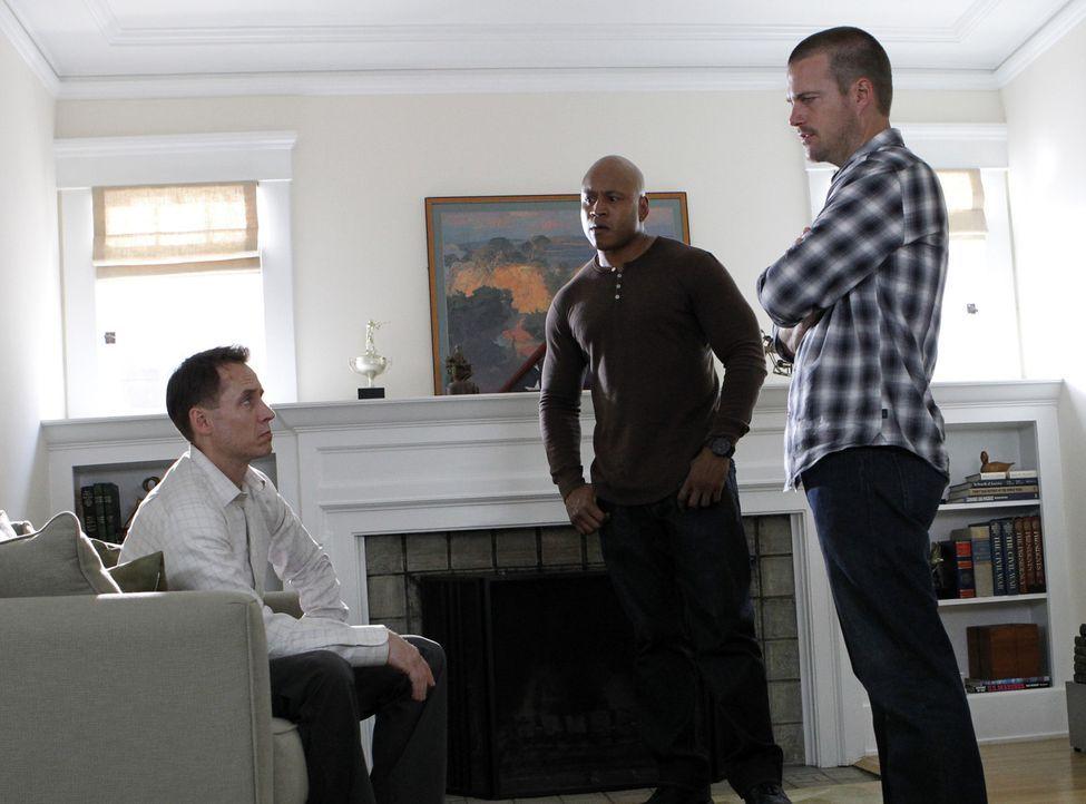 Bei ihren Ermittlungen stoßen Callen (Chris O'Donnell, r.) und Sam (LL Cool J, M.) auf Farag Hijazi (Piter Marek, l.). Doch hat er etwas damit zu t... - Bildquelle: CBS Studios Inc. All Rights Reserved.