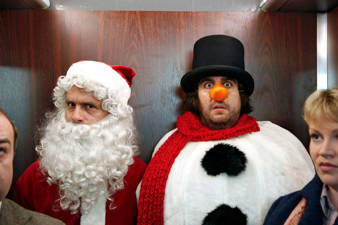 Zwei-Weihnachtsmaenner6 - Bildquelle: Sat.1