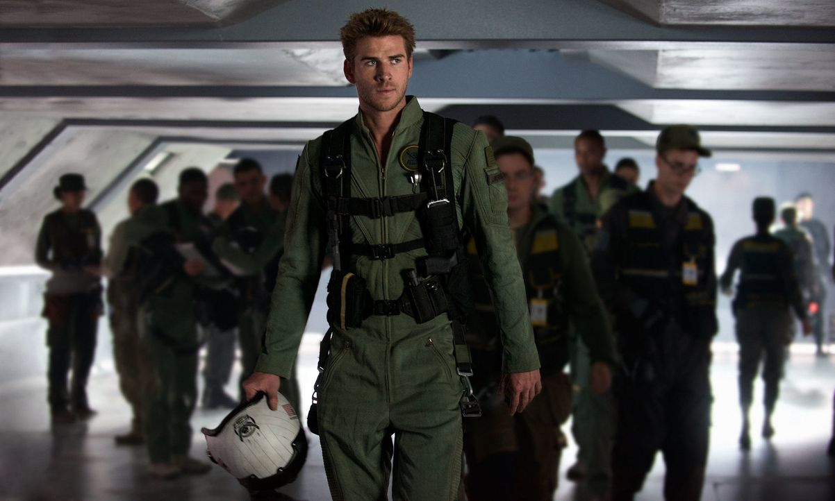 Bei der ersten Alien-Invasion hat der Kampfpilot Jake Morrison (Liam Hemsworth) seine Eltern verloren. Als die Invasoren jetzt erneut die Erde angre... - Bildquelle: 2016 Twentieth Century Fox Film Corporation.  All rights reserved.