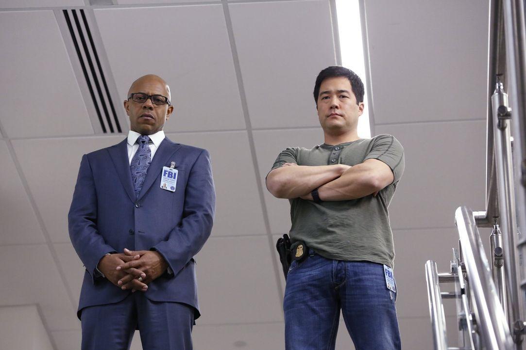 Ein neuer Fall wartet auf Cho (Tim Kang, r.) und Abbott (Rockmond Dunbar, l.) ... - Bildquelle: Warner Bros. Television