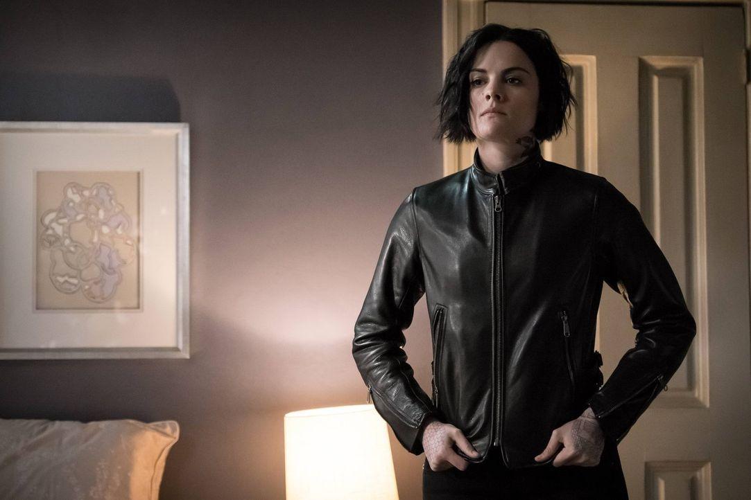 Obwohl Jane (Jaimie Alexander) Oscar einst liebte, will sie jetzt an ihm Rache nehmen. Doch als sie sein Versteck findet, gerät sie erneut in seine... - Bildquelle: Warner Brothers