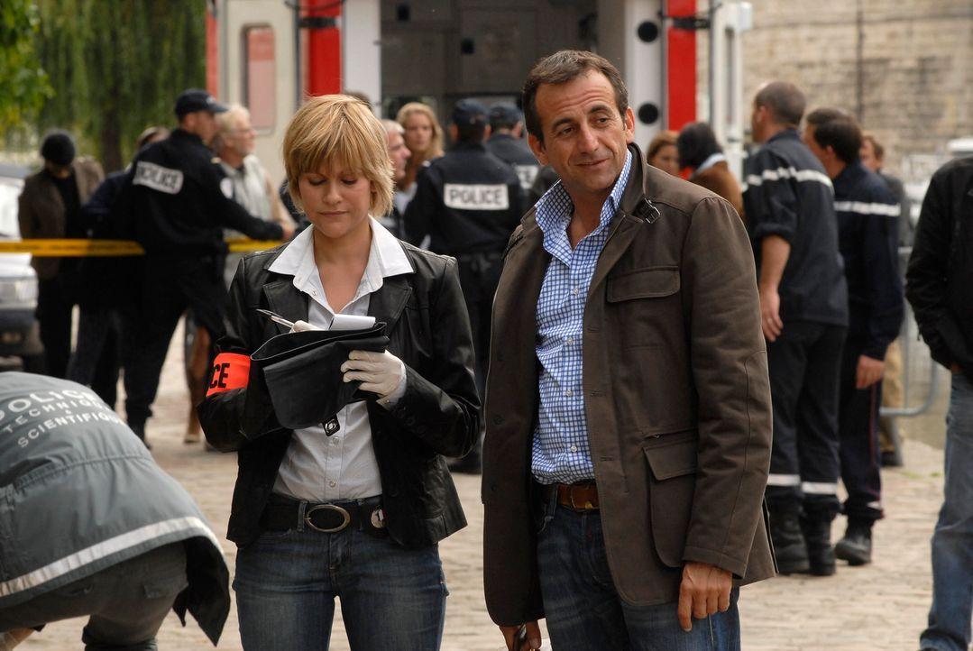 Als ein Babysitter ermordet wird, müssen Kommissarin Frédérique Kancel (Vanessa Valence, l.) und der Doc (Didier Ferrari, r.) in alle Richtungen erm... - Bildquelle: Jean-François Baumard 2008 - Beaubourg Audiovisuel/BeFilms/RTBF (Télévision Belge)