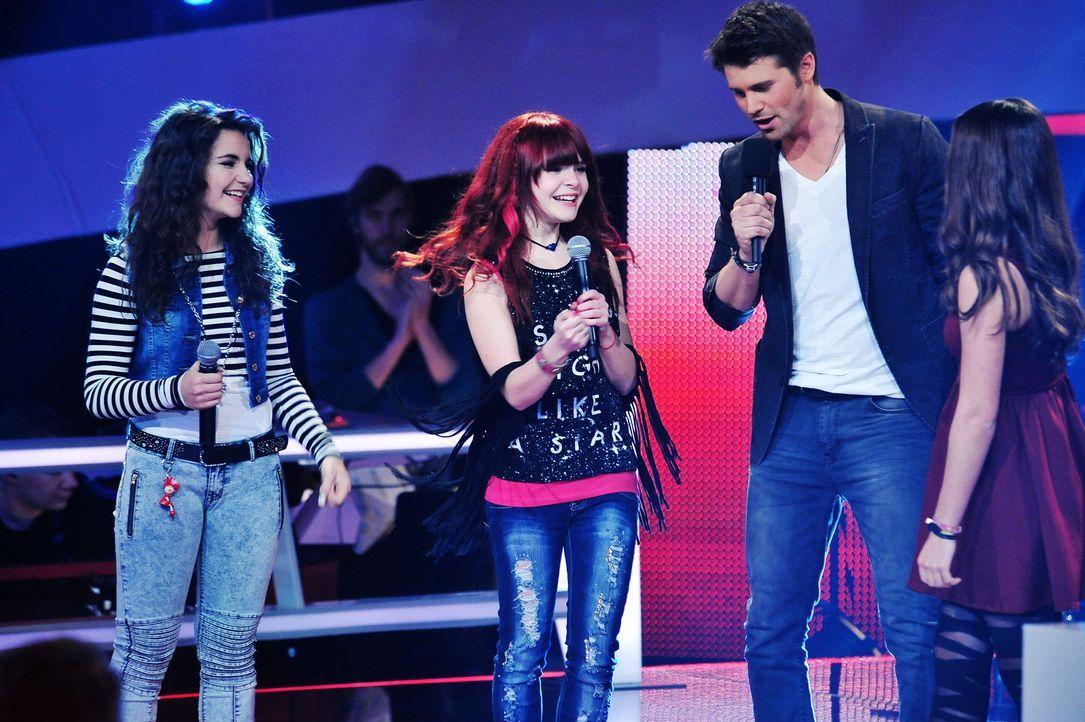 The-Voice-Kids-Stf02-Epi07-Carlotta-Vanessa-Tamara-9-SAT1-Andre-Kowalski - Bildquelle: SAT.1/Andre Kowalski