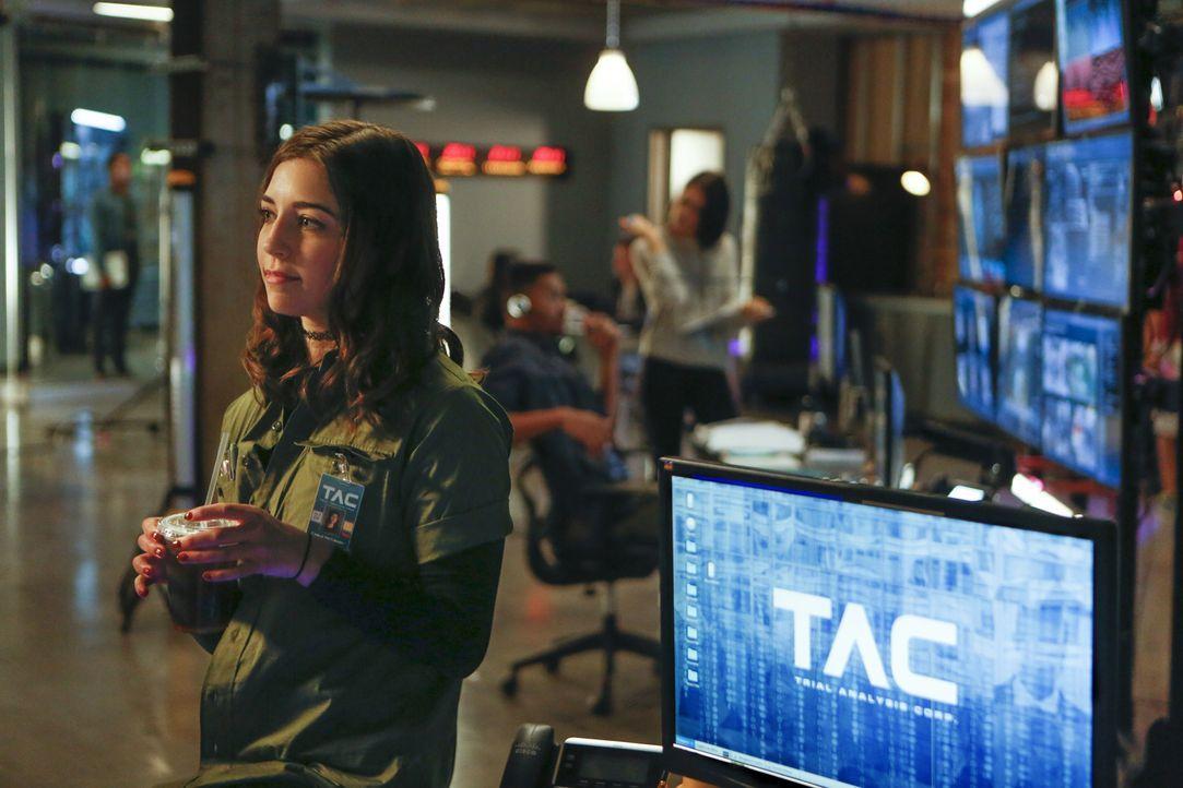 Kann Hackerin Cable (Annabelle Attanasio) dabei helfen, wichtige Informationen für den Fall der jungen Reese im Web aufzuspüren? Schließlich ist sie... - Bildquelle: Craig Blankenhorn 2016 CBS Broadcasting, Inc. All Rights Reserved.