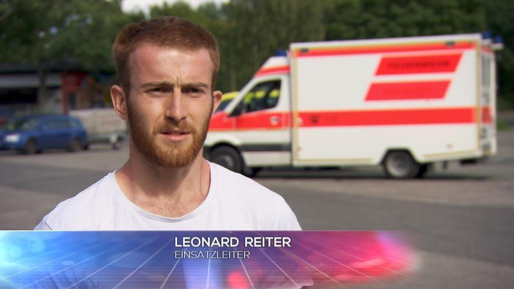 Wasser - Einsatzleiter Leonard Reiter - Bildquelle: SAT.1
