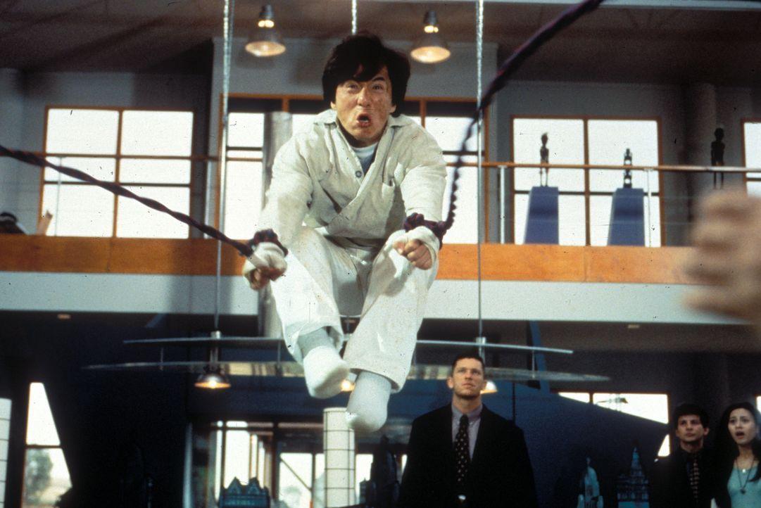 Hat mit den Gangstern noch ein Hühnchen zu rupfen: Fernsehkoch Jackie (Jackie Chan) ... - Bildquelle: Warner Bros.