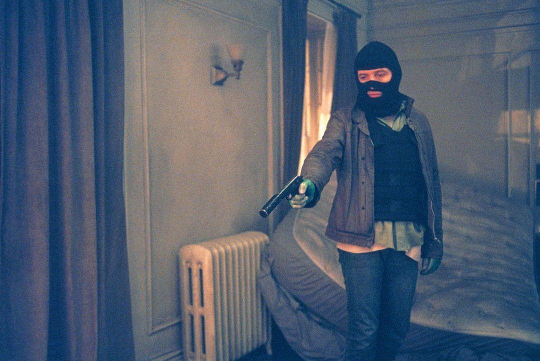 Mit dem skrupellosen Raoul (Dwight Yoakam) ist nicht zu Spaßen ... - Bildquelle: 2003 Sony Pictures Television International. All Rights Reserved