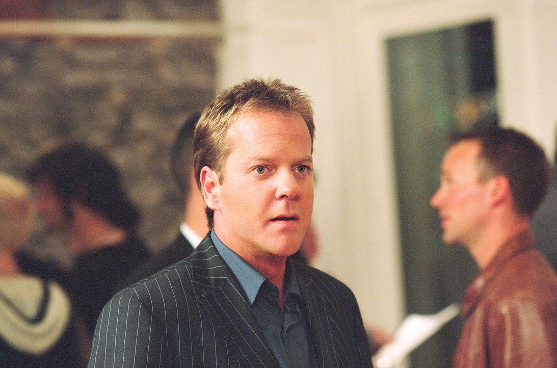 Martin Asher (Kiefer Sutherland) ist der Hauptverdächtige der Profilerin Illeana Scott. Sie ist davon überzeugt, dass dieser sich das Leben seiner O... - Bildquelle: Warner Bros.