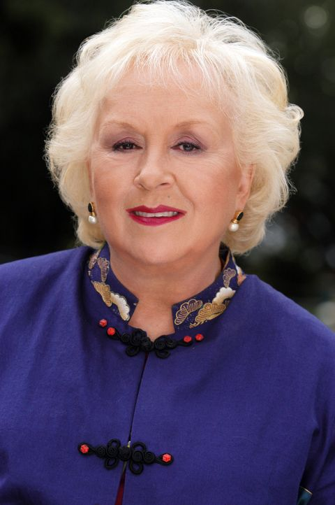 Macht dem Richter Feuer unterm Hintern: Großtante Marie (Doris Roberts) ... - Bildquelle: Sony Pictures Television International. All Rights Reserved.