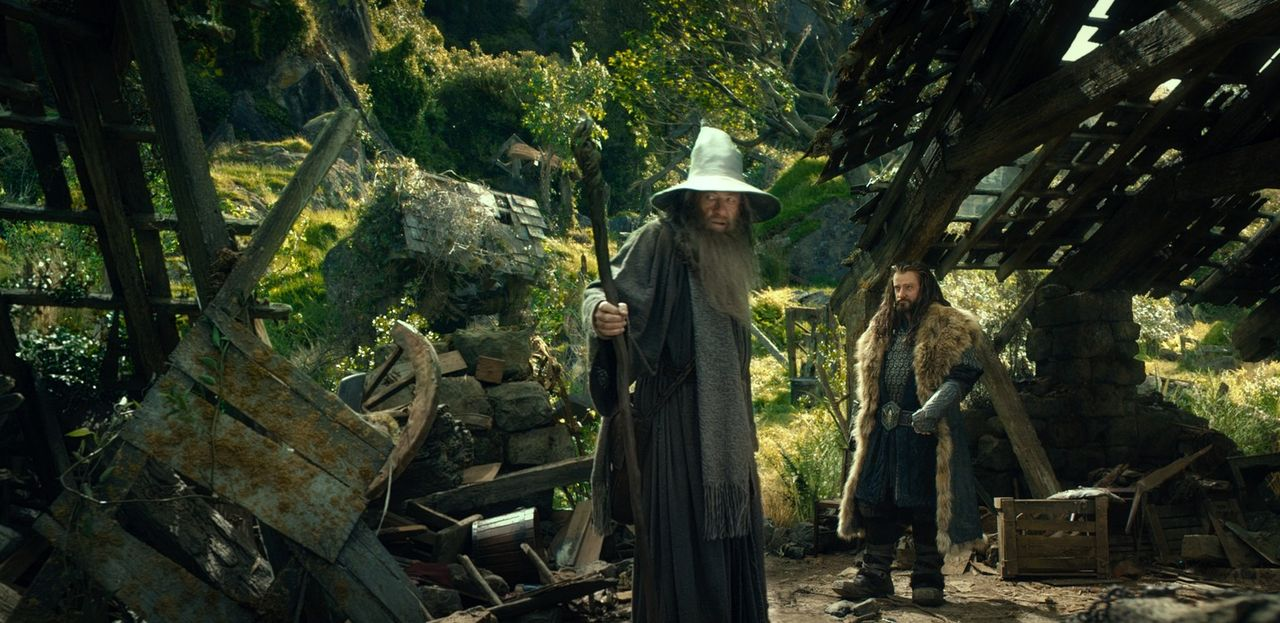 Werden der weise Zauberer Gandalf (Ian McKellen, l.) und der rachsüchtige Thorin (Richard Armitage, r.) ihr Zwergenvolk gemeinsam befreien oder werd... - Bildquelle: 2012 METRO-GOLDWYN-MAYER PICTURES INC. AND WARNER BROS.ENTERTAINMENT INC. ALL RIGHTS RESERVED.