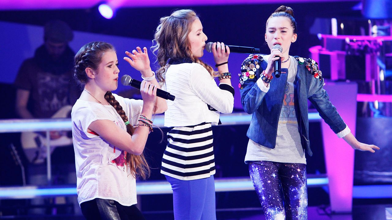 The-Voice-Kids-epi04-Rita-Sarah-Alexandra-3-SAT1-Richard-Huebner - Bildquelle: SAT.1/Richard Hübner